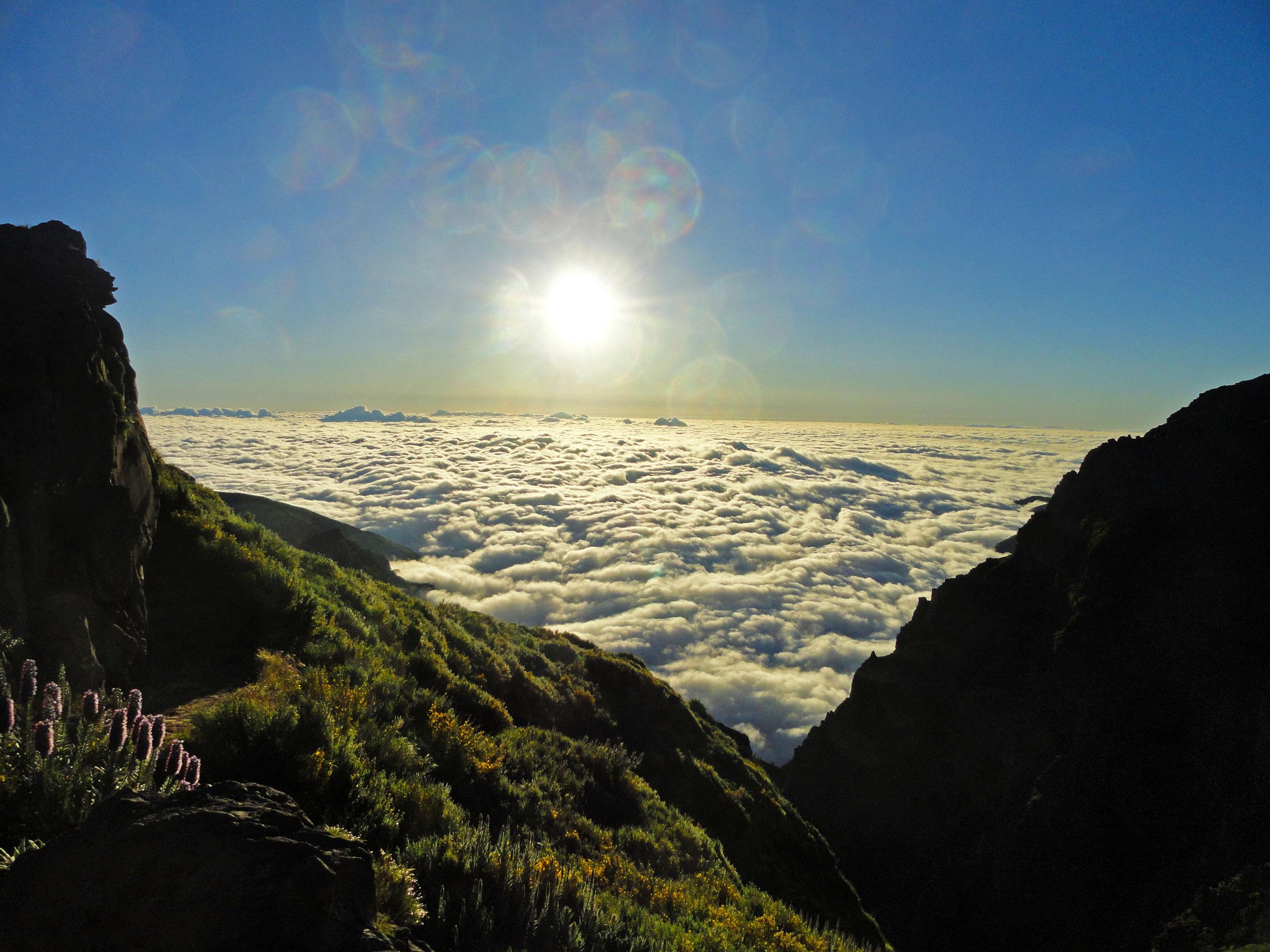 Exponovanou hřebenovkou na nejvyšší vrchol Madeiry
