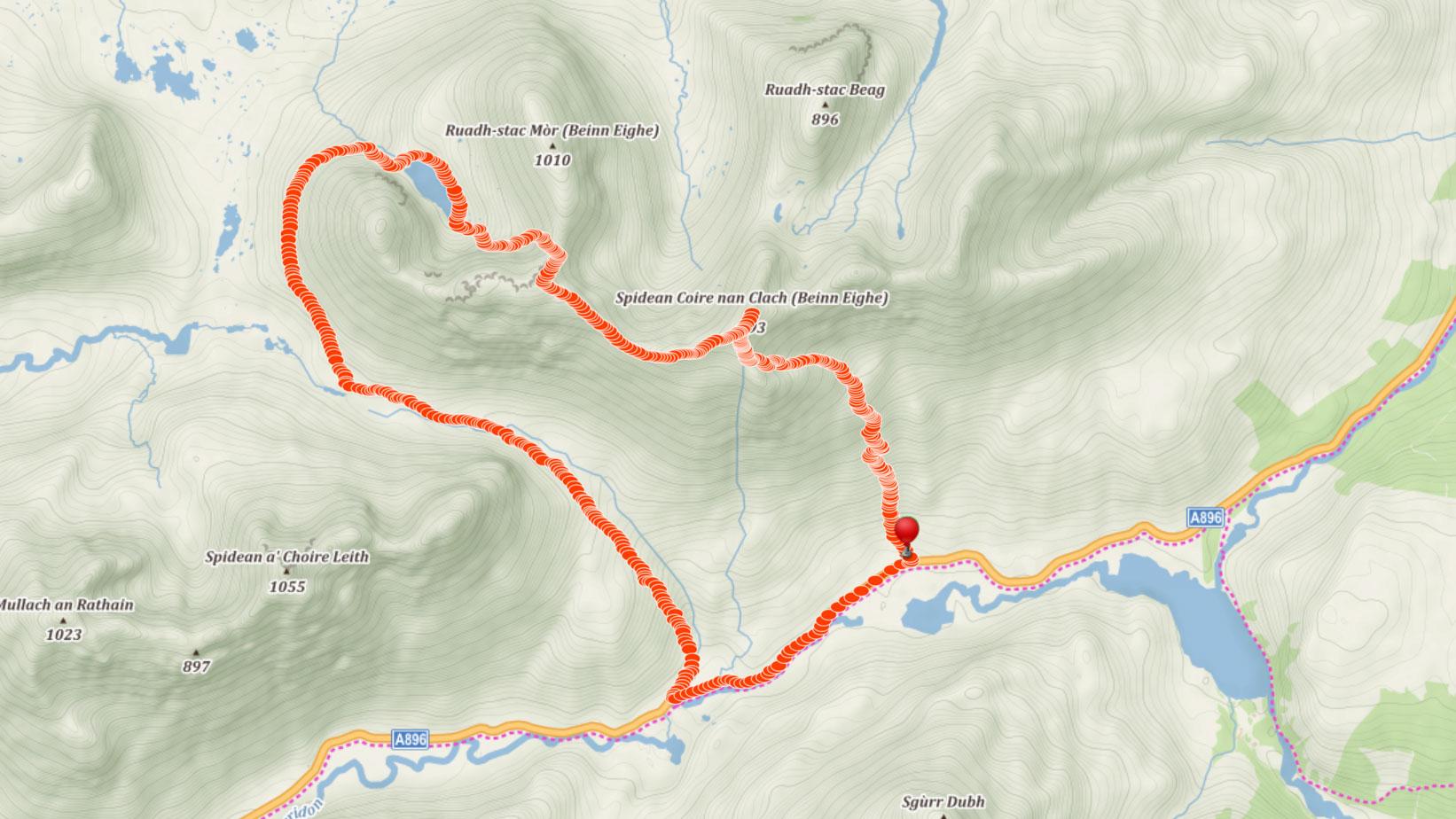 Popisovaná trasa po hřebeni Beinn Eighe
