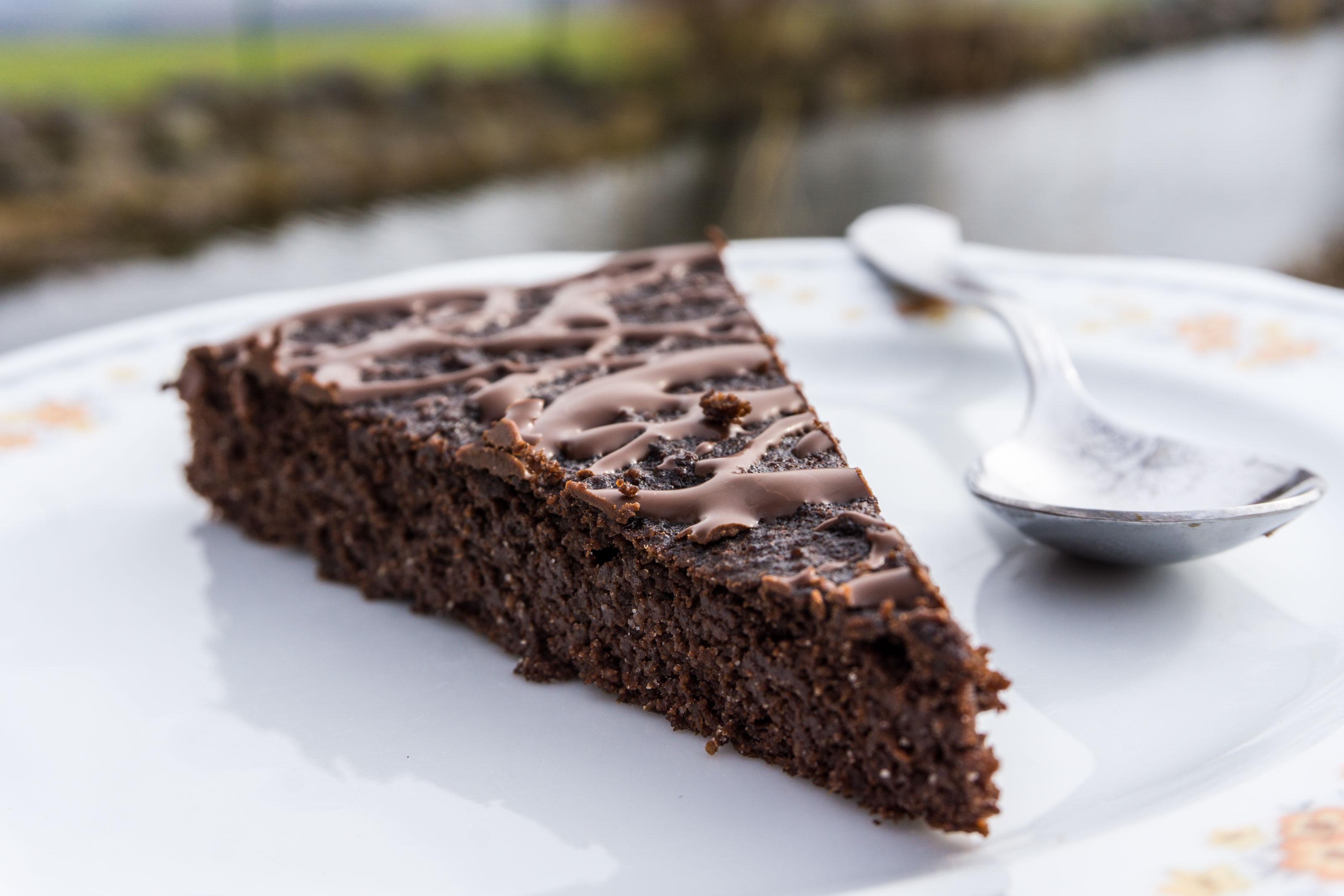 Řepové brownies bez lepku, laktózy a cukru