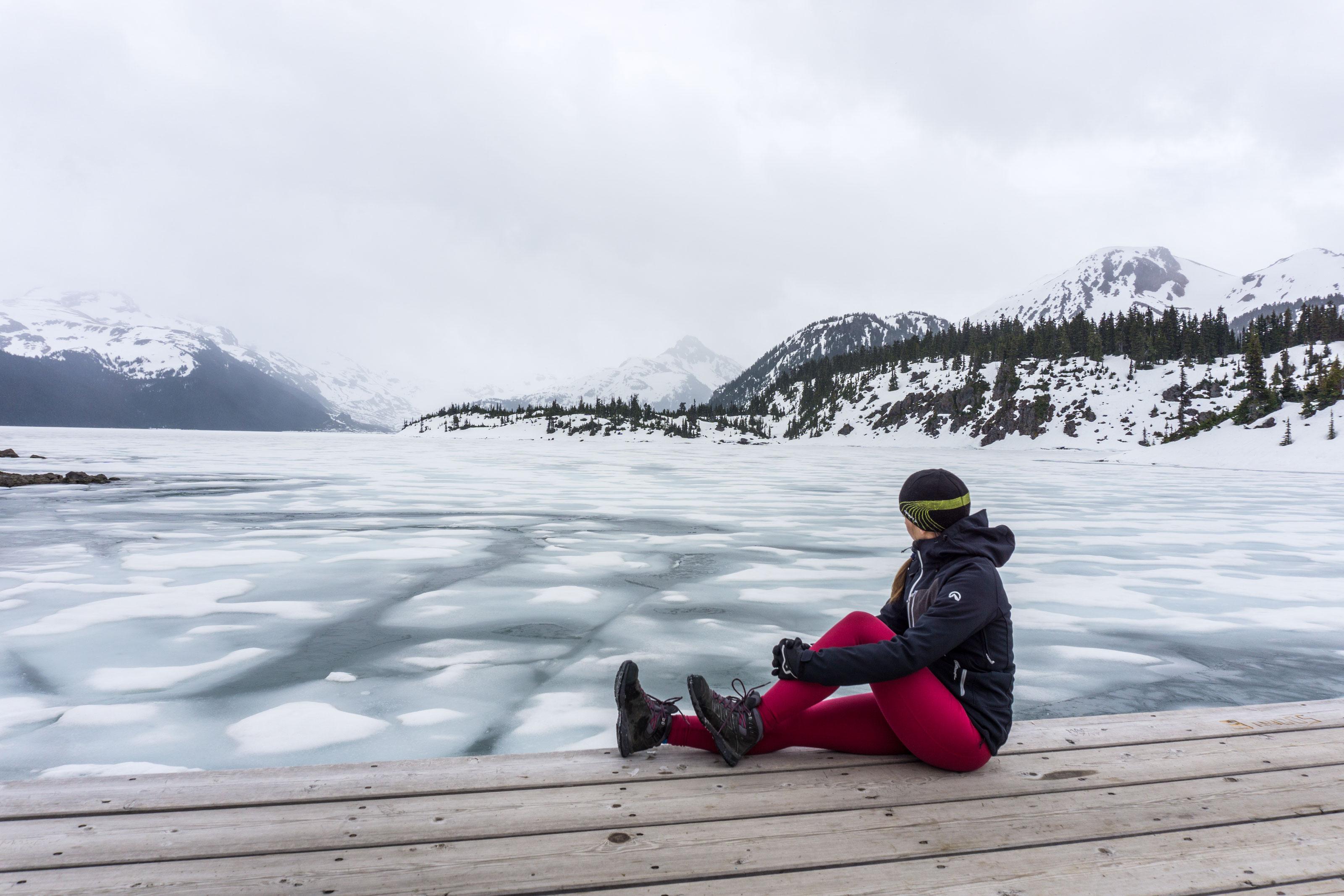 Po sněhu i ledu k zamrzlému Garibaldi Lake