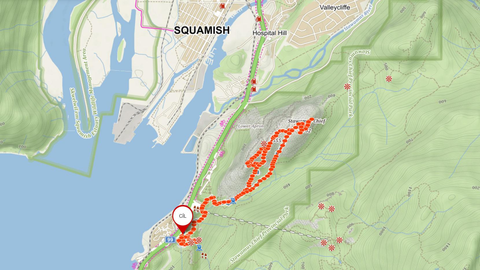 Popisovaná trasa na tři vrcholy Stawamus Chief u Squamishe v Kanadě