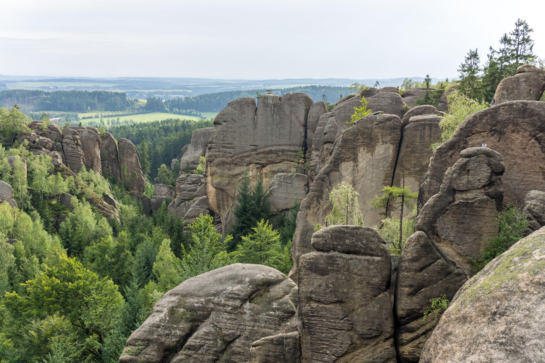 Letní vandr přes Broumovské a Polické stěny a skalní město Ostaš