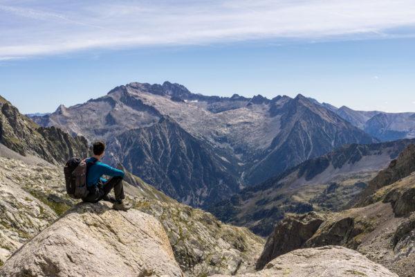 Nejvyšší pyrenejské štíty jako na dlani z vrcholu Perdiguero
