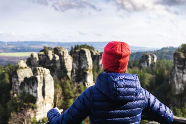 Parádní vyhlídky na hruboskalské skalní město a Český ráj