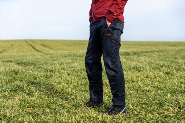 Rab Kinetic Alpine Pants: nepromokavé a zároveň prodyšné kalhoty do nepříznivého počasí