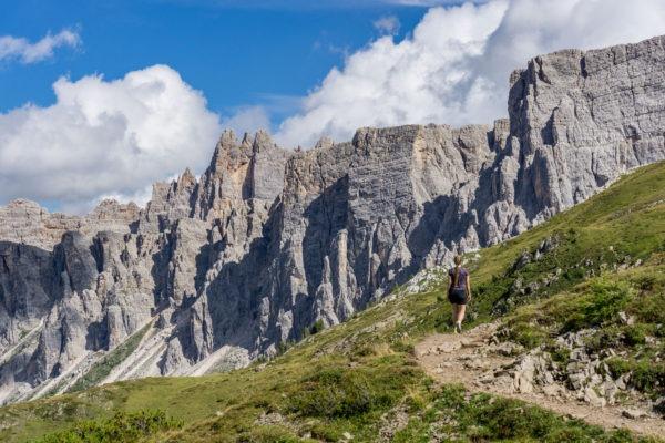Okolo hřebenu Croda da Lago za krásami italských Dolomit