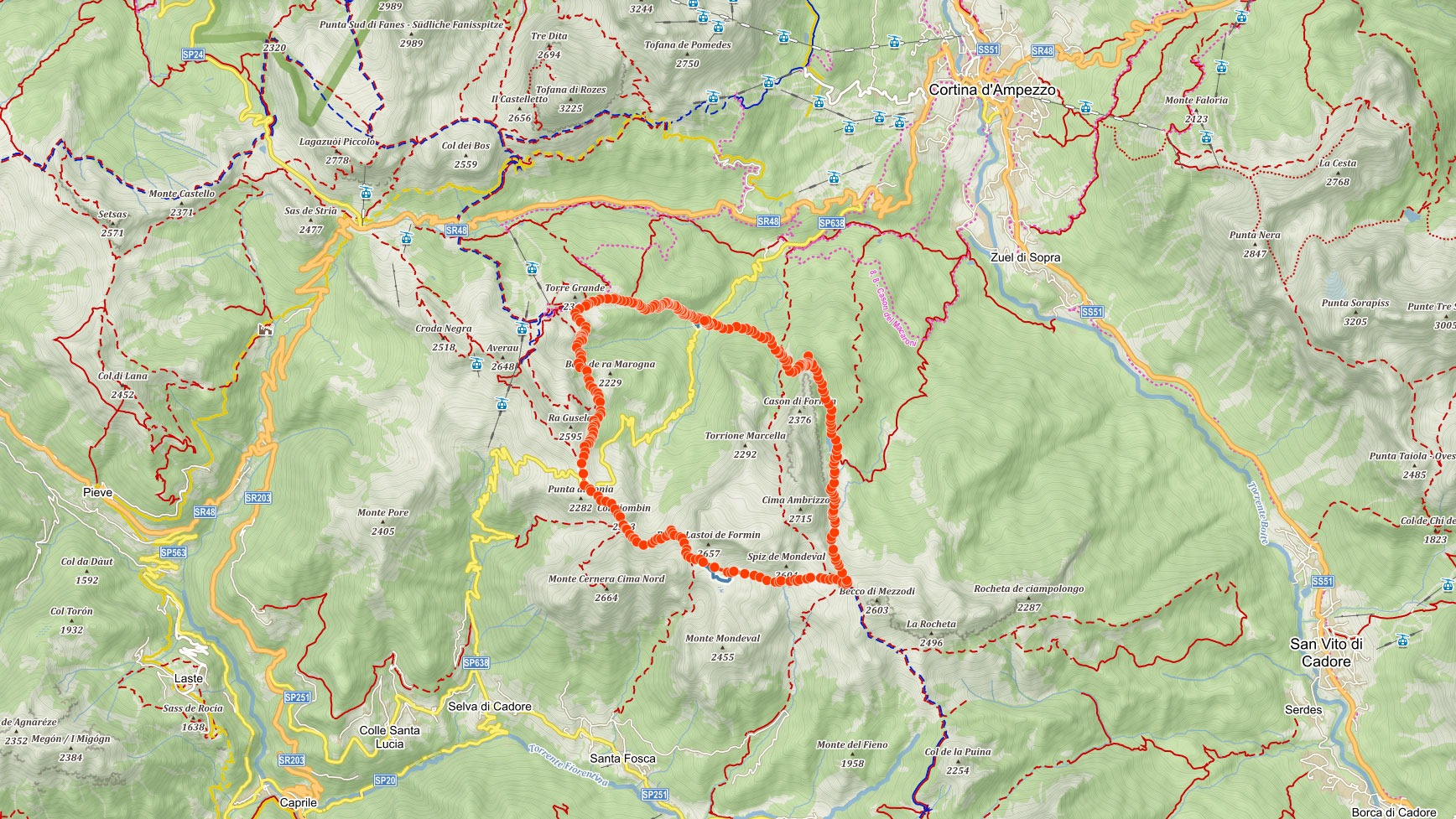 Trasa popisovaného výletu kolem Croda da Lago v italských Dolomitech